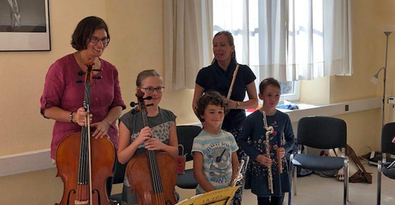 """Konzert """"Herbstzeit"""" einer kleiner Gruppe von Musikschüler(innen) der Karl-Berg-Musikschule"""
