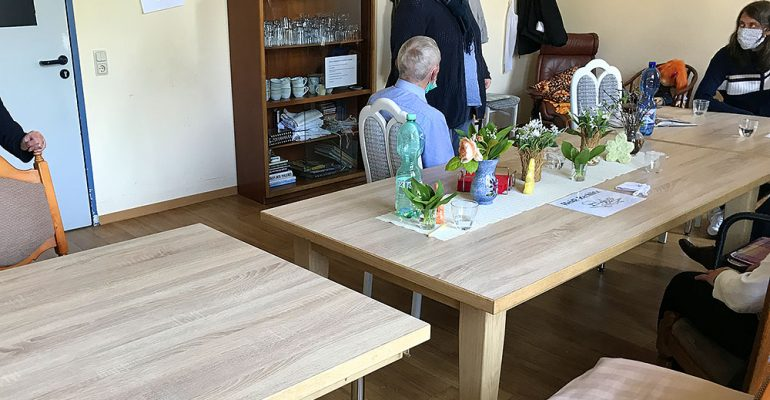 Meine Hilfe zählt: Unterstützung für einen neuen variablen Tisch für den Gruppenraum im Demenzzentrum Trier